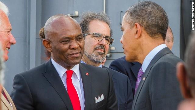 Tony Elumelu en conversation avec Barack Obama @ DR