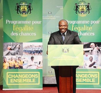 Ali Bongo Ondimba durant sa déclaration officielle @ DCP