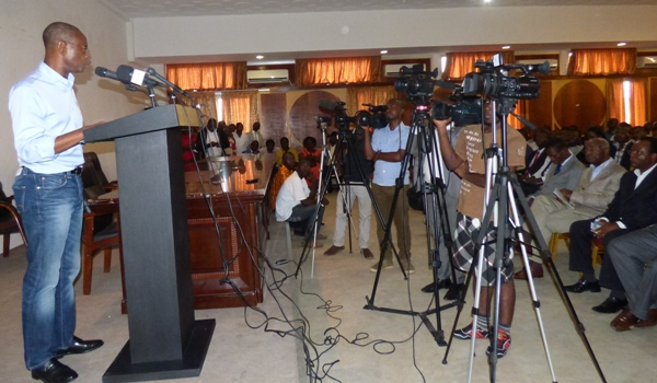 Léon Paul Ngoulakia durant sa déclaration @ Gabonactu.com