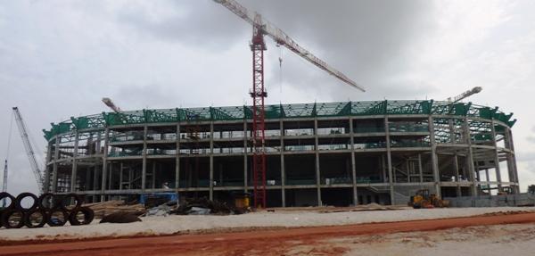 Une vue du stade de Port-Gentil 6 mois après les coup d'envoi des travaux @ Gabonactu.com
