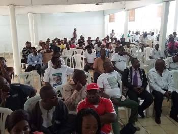 Une vue du public venu écouter le jeune leader @ DR