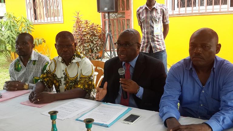 Les militants de l'ADERE dénoncent une escroquerie politique contre Ali Bongo