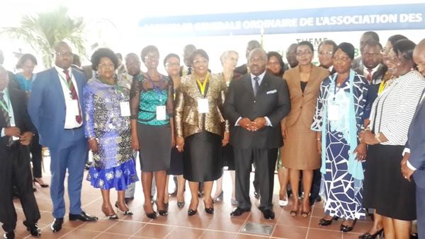 Ali Bongo urge le gouvernement  à appliquer la nouvelle  loi sur la décentralisation