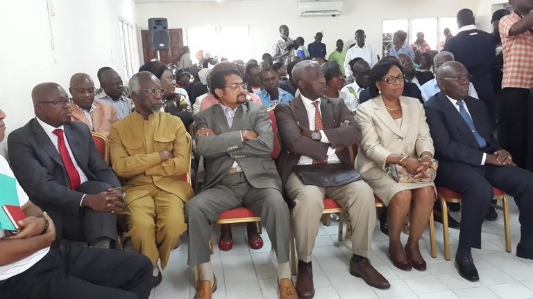 Les leaders de l'opposition ayant participé à la création de l'Union Sacrée le 2 avril 2016 au siège de l'ADERE à Libreville @ Gabonactu.com