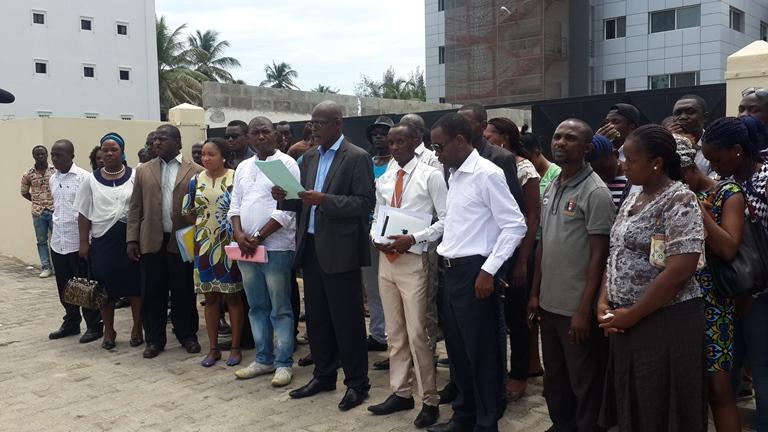 L'autre manifeste a été lu devant le siège de l'UNOCA à Libreville @ Gabonactu.com