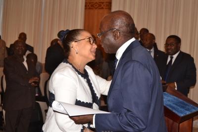 Raphaël Mangouala félicité par le président du Sénat @ Presse Senat