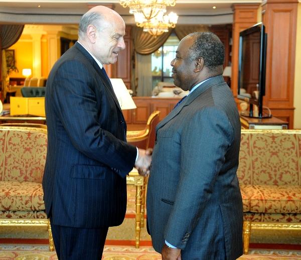 Des émissaires de la France chez Ali Bongo