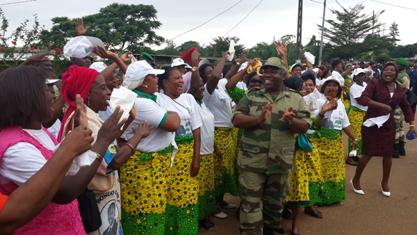 Ali Bongo a sillonné l'Estuaire par hélicoptère pour lancer la 16ème édition des manœuvres médico-militaires