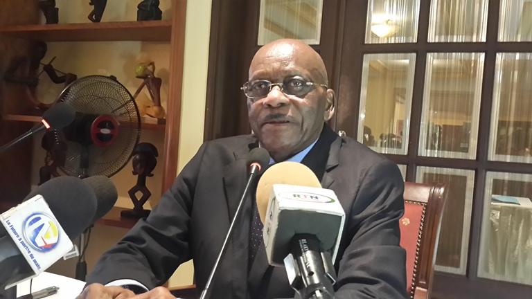 Ntoutoume Emane redoute une guerre civile au Gabon et en appelle à la communauté internationale