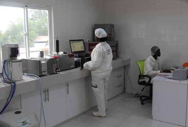 Le laboratoire qui garantie la qualité de la nouvelle marque de farine @ DR