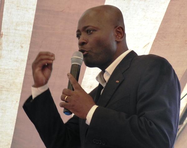 Bruno Ben Moubamba furieux contre la police qui a empêché son meeting