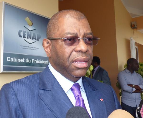 Alexandre Barro Chambrier s'adressant à la presse @ Gabonacu.com