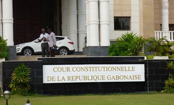 Présidentielle 2016 : la Cour constitutionnelle rejette les recours contre Ali Bongo