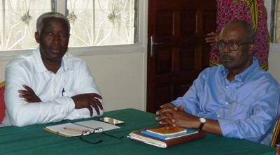 Les anciens PM Raymond Ndong Sima et Casimir Oyé Mba @ Gabonactu.com
