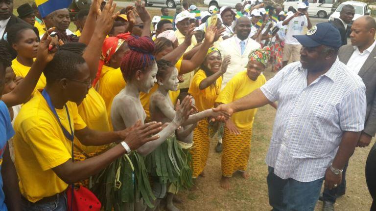 Les danses traditionnelles ont agrémenté le périple d'Ali Bongo à Bifoun, une localité cosmopolite @ Gabonactu.com
