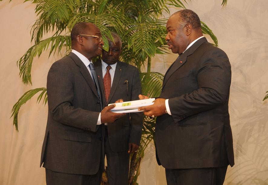 Ali Bongo reçoit le rapport qui vise à  améliorer la condition de la femme gabonaise