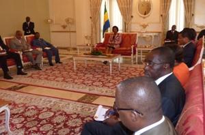 Le président de la Cour constitutionnelle et son staff @ Gabonactu.com