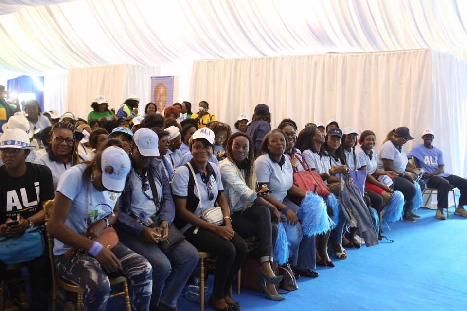 Nombreux jeunes volontaires ont suivi avec attention le message du président de l'AJEV @ facebook AJEV