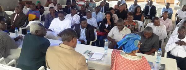 Une vue des participants à la rencontre @ Gabonactu.com