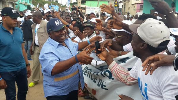 Ali Bongo dans le moyen Ogooué en apôtre de la paix et de la prospérité du Gabon