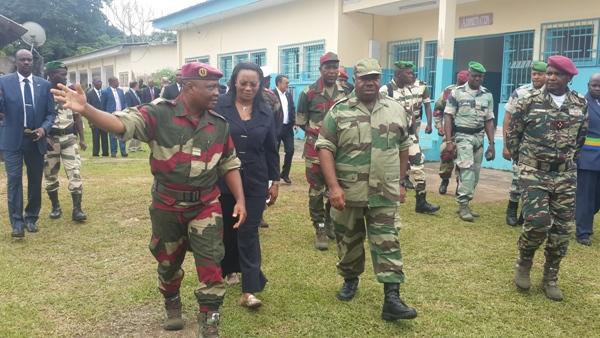 Ali Bongo effectue une descente à l'école de police de mardi