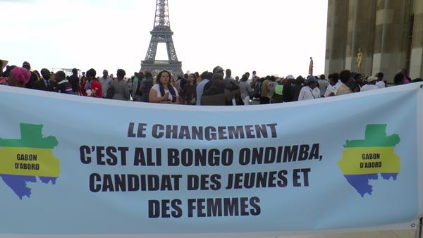 France : les sympathisants d'Ali Bongo s'offrent le Trocadero