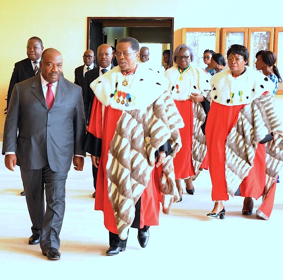 Ali Bongo a présidé le 1er conseil supérieur de la magistrature de son second septennat