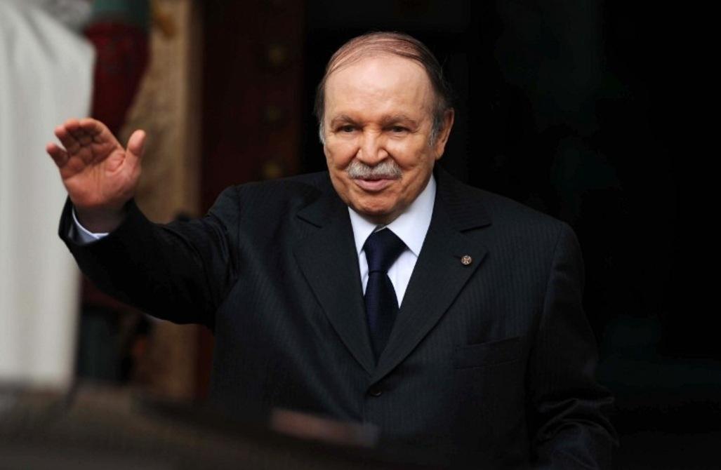Bouteflika félicite Ali Bongo pour sa réélection à la tête du Gabon