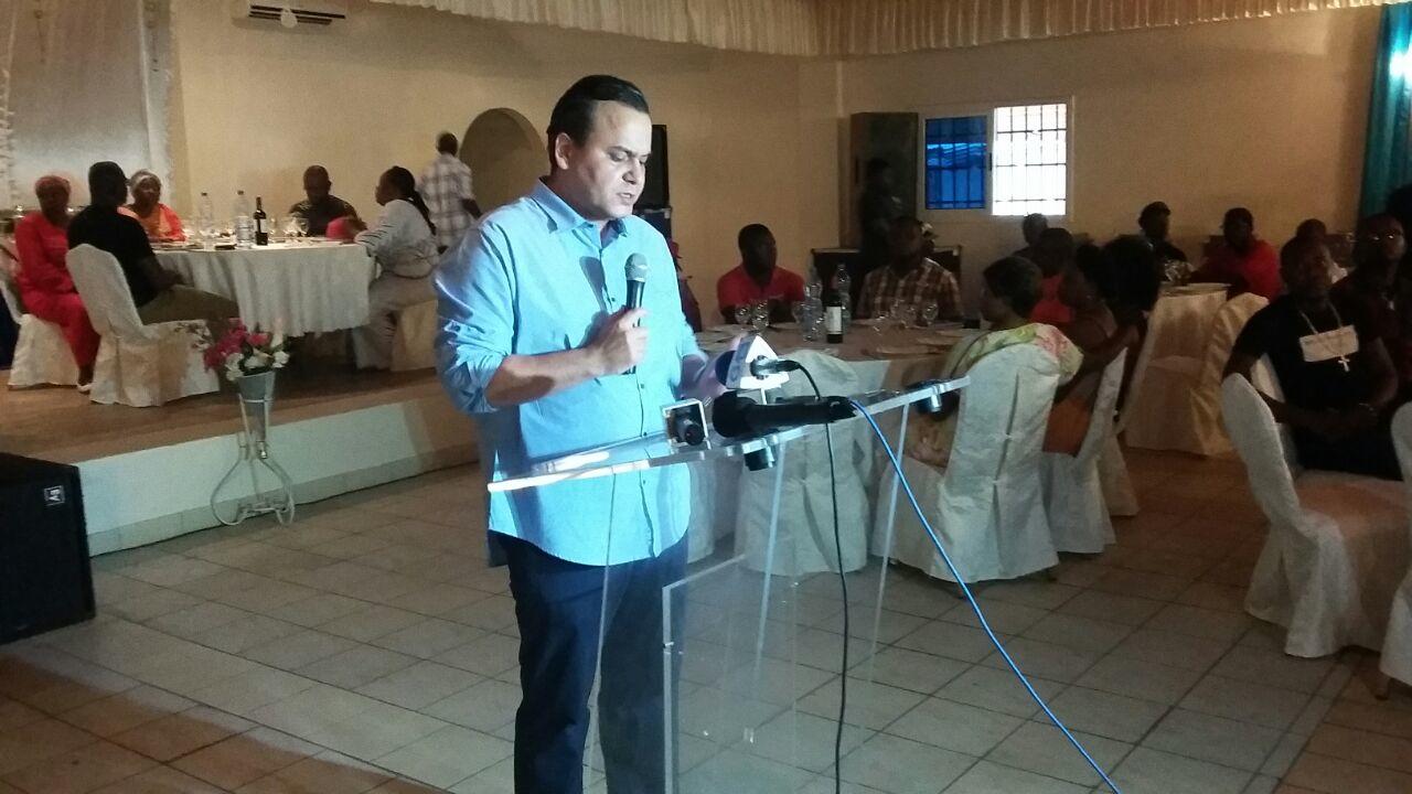 Brice Laccruche Alihanga durant son discours @ AJEV
