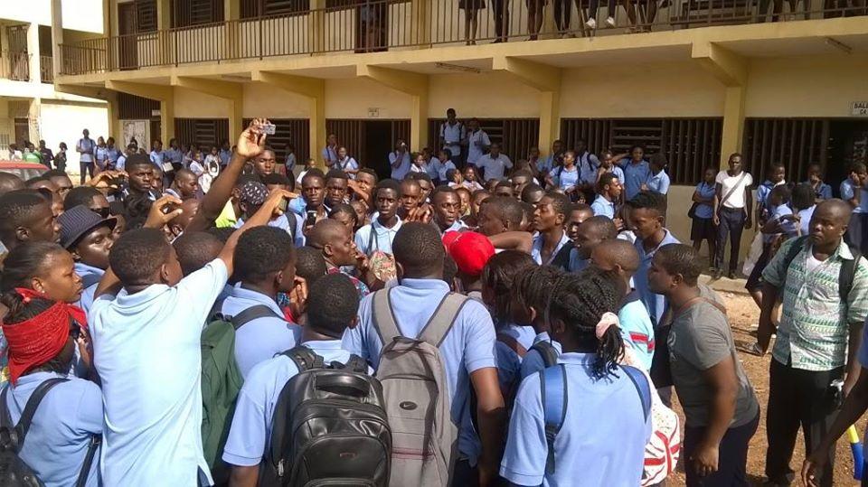 Les syndicalistes  dénoncent l'insuffisance des salles des classes et des enseignants @ DR