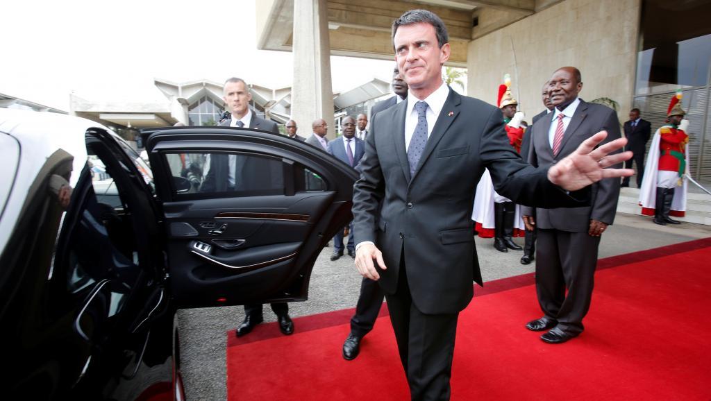 Manuel Valls dissipe les nuages entre Paris et Libreville