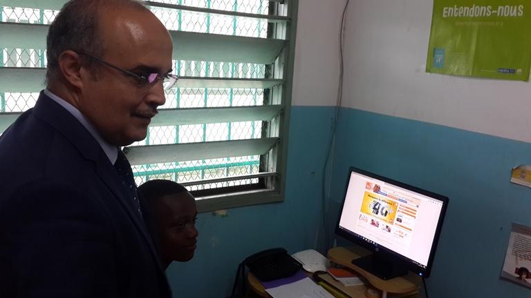 Gabon Télécom offre des kits informatiques et internet à deux orphelinats de Libreville