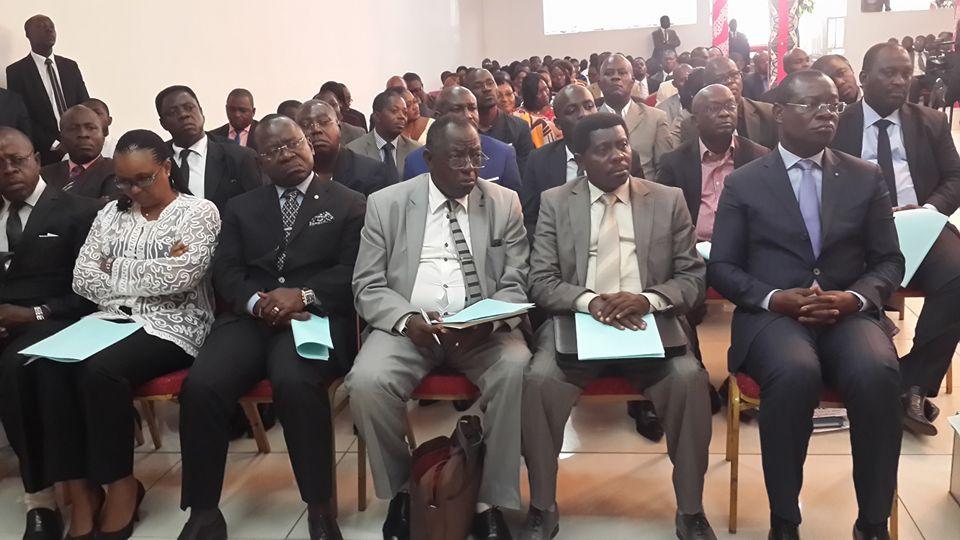Bruno Ben Moubamba a invité les directeurs généraux et autres responsables de son ministère de jouer franc jeu pour éviter des sanctions @ Gabonactu.com