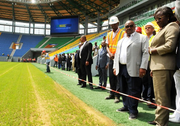 CAN Total, Gabon 2017 : Ali Bongo a visité le stade de Port-Gentil