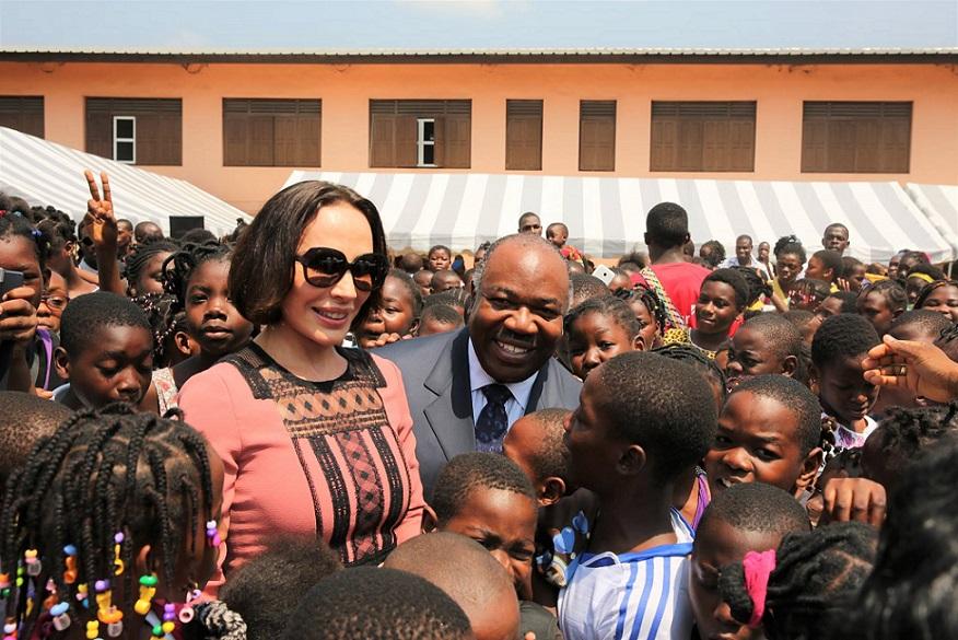 Le couple Bongo a offert des cadeaux de noël à 1 000 enfants
