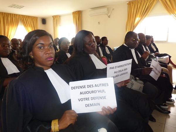 Les avocats ont marché pour soutenir Iga-Iga, avocat de Jean Ping
