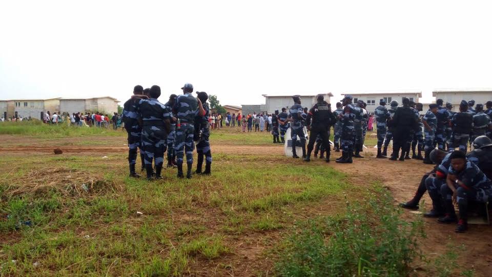 La police lance l'assaut sur les logements d'Angondjè pour chasser les squatters