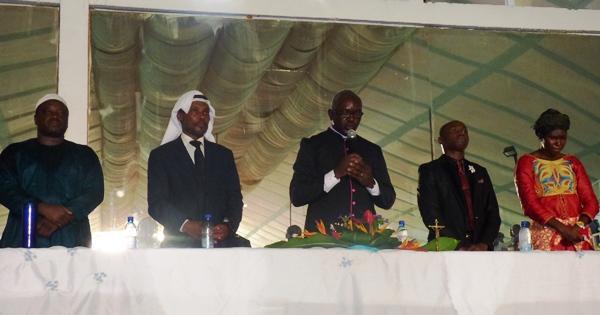 Les hommes de Dieux qui ont dirigé la messe @ Gabonactu.com