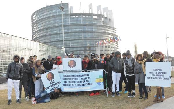 France : Des partisans d'Ali Bongo disent « Non à la déstabilisation du Gabon par des puissances occultes de l'UE »