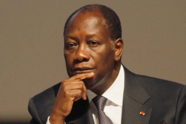 Ouattara sort le chéquier et sauve son pouvoir bousculé par une minuterie contagieuse