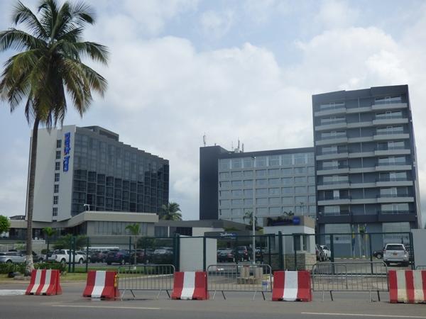 Le personnel de l'Hôtel Radisson Blu Libreville en grève