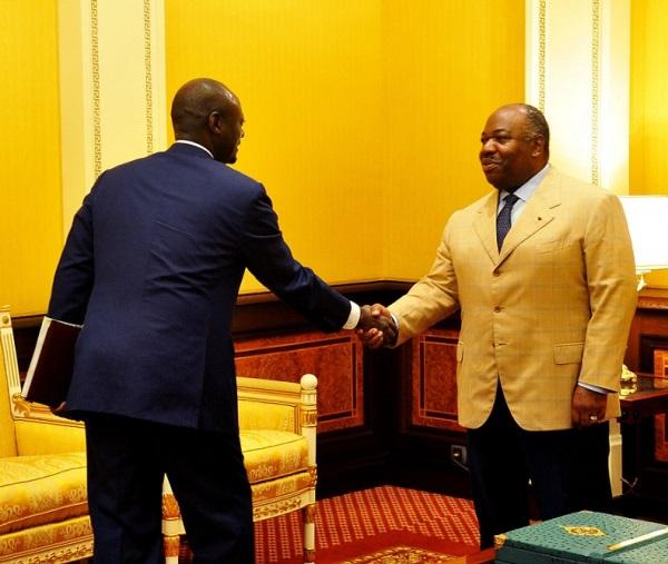 La BEAC sous la menace d'une dévaluation du FCFA a un nouveau gouverneur