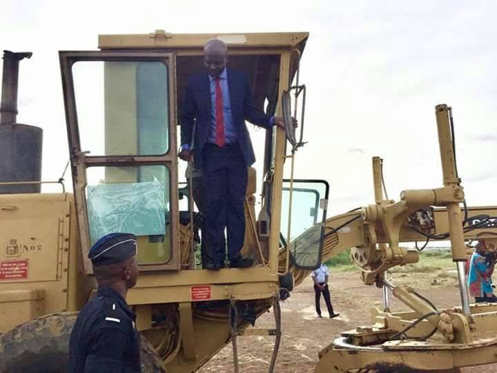 Bruno Ben Moubamba  lance  les travaux de construction de 5000 logements sociaux au nord de Libreville