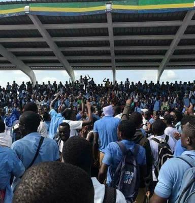 Les élèves en classes d'examens prêts à se lever pour contester  «les nouvelles réformes»