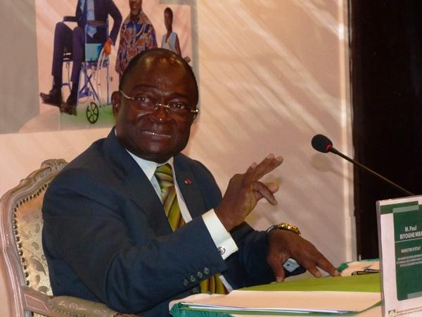 Biyoghe Mba explique aux gabonais leur nouveau code de protection sociale
