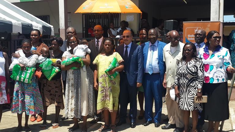 Lutte contre le paludisme: Gabon Télécom offre 400 moustiquaires imprégnées aux populations d'Okala, au nord de Libreville