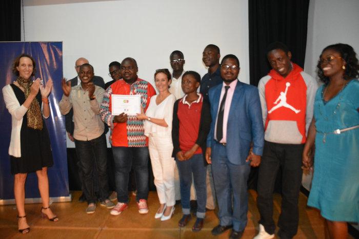 La France décerne le 1er prix du concours «Coop'Innov» à JA Gabon