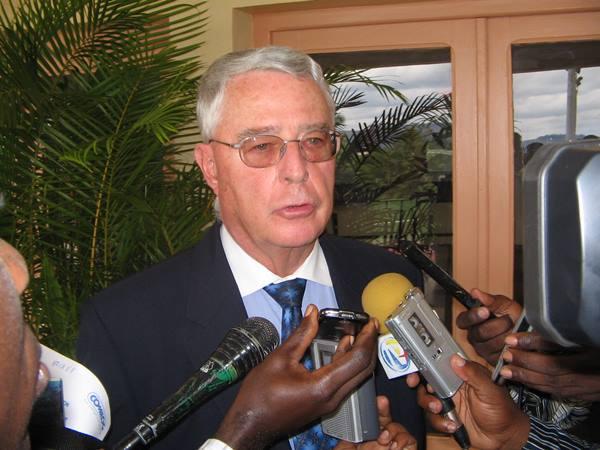 Claude Villain quitte ses fonctions de PCA de COMILOG, Alain Ditona le remplace