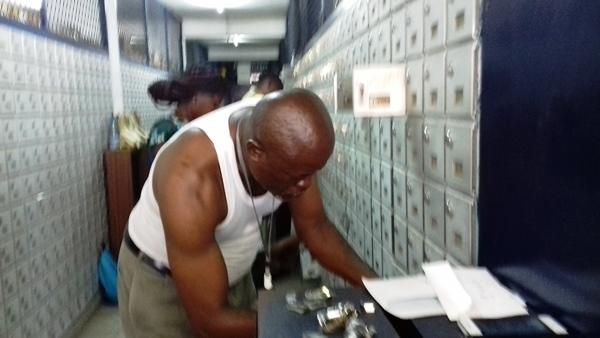 Le PDG de la Poste a décidé de verrouiller toutes les boites postales
