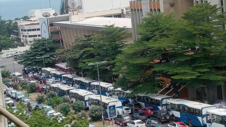 Grève de SOGATRA : Les grévistes remontés bloquent le Trésor public